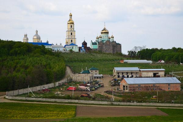 Свято-Вознесенський монастир у Банченах