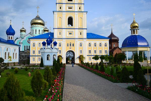Свято-Вознесенський монастир у Молниці