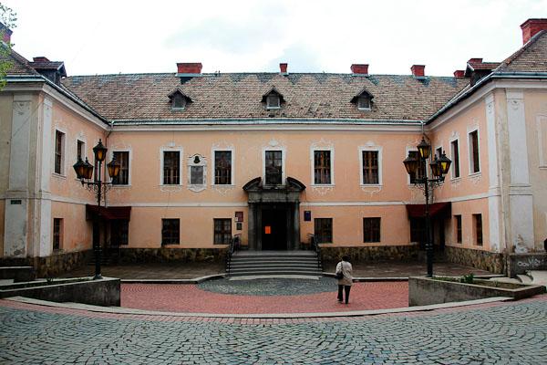 Палац в Мукачевому