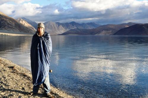 Озеро Панконг-Тсо (4200 м), кордон Індії і Китаю