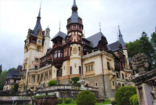 замок Сіная, Румунія