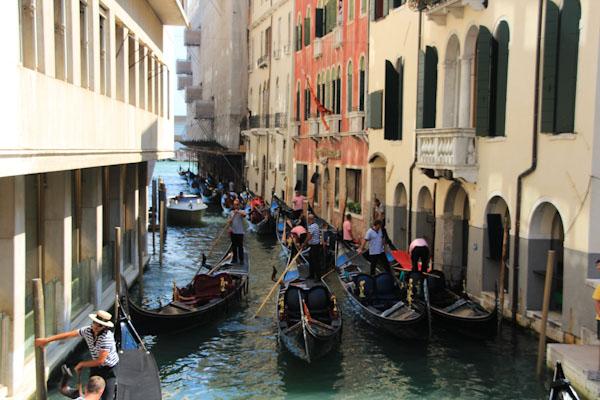 Гондоли у Венеції