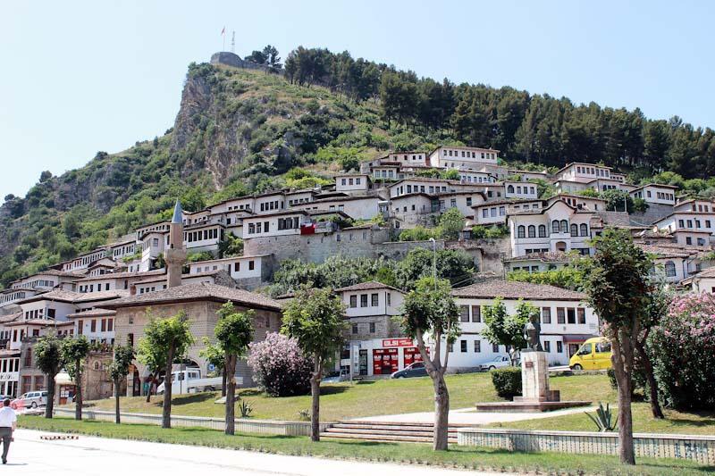 Албанія (127)