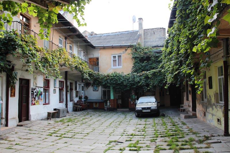 львівський-дворик
