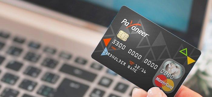 700x322xpayoneer-card