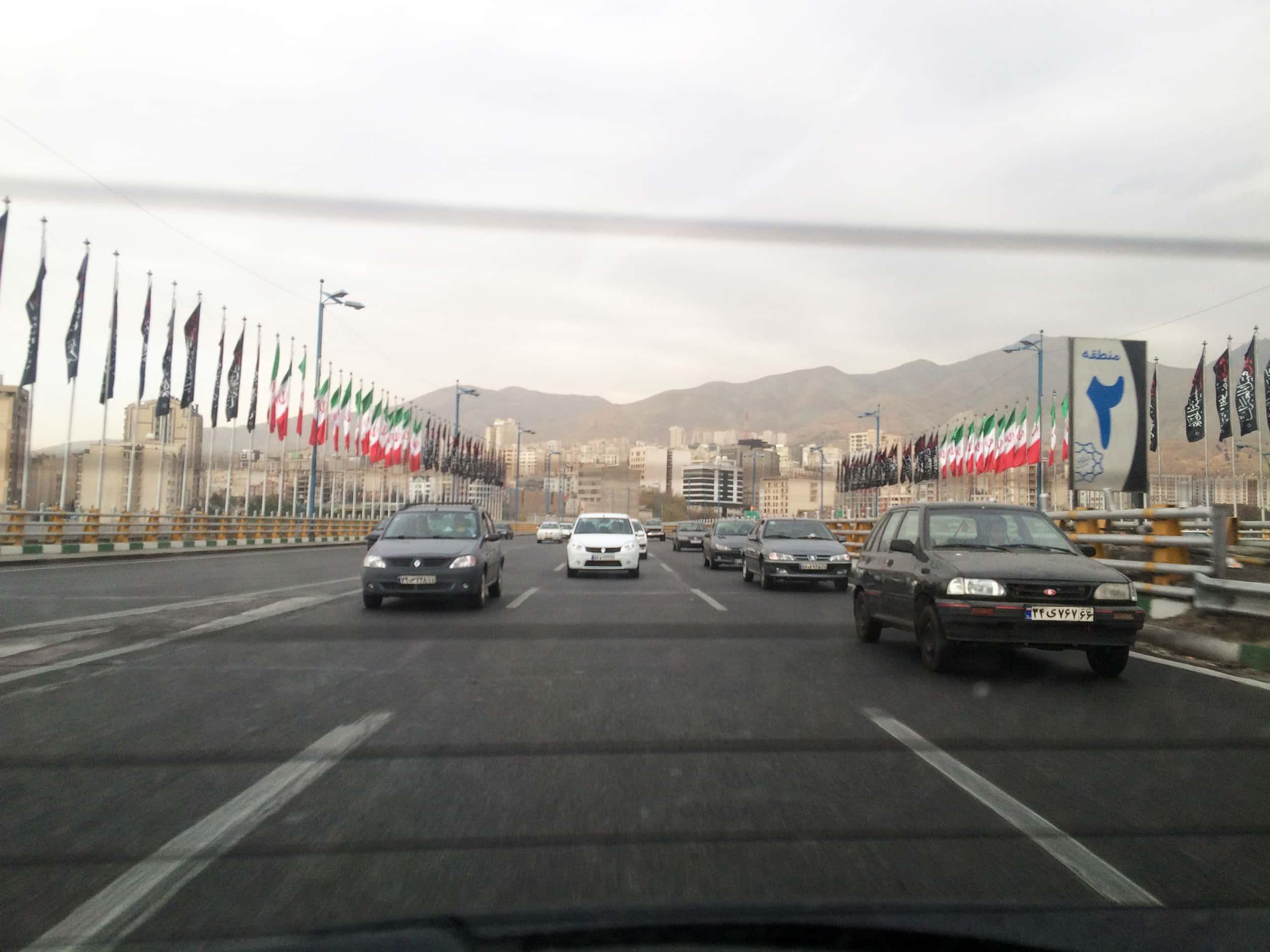 Тегеран. Фото доріг у місті