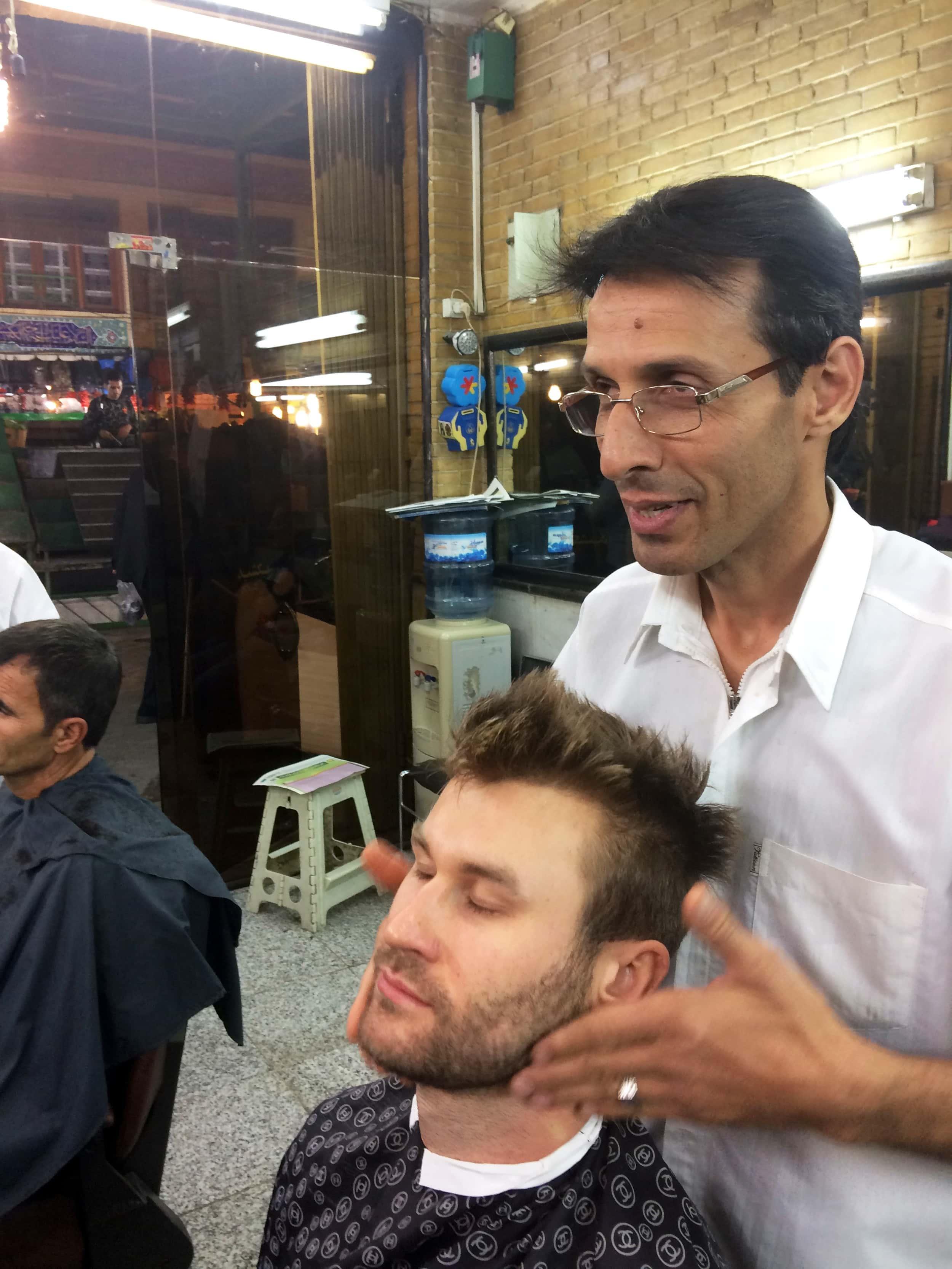Тегеран. Мене голять небезпечним лезом. Фото 3