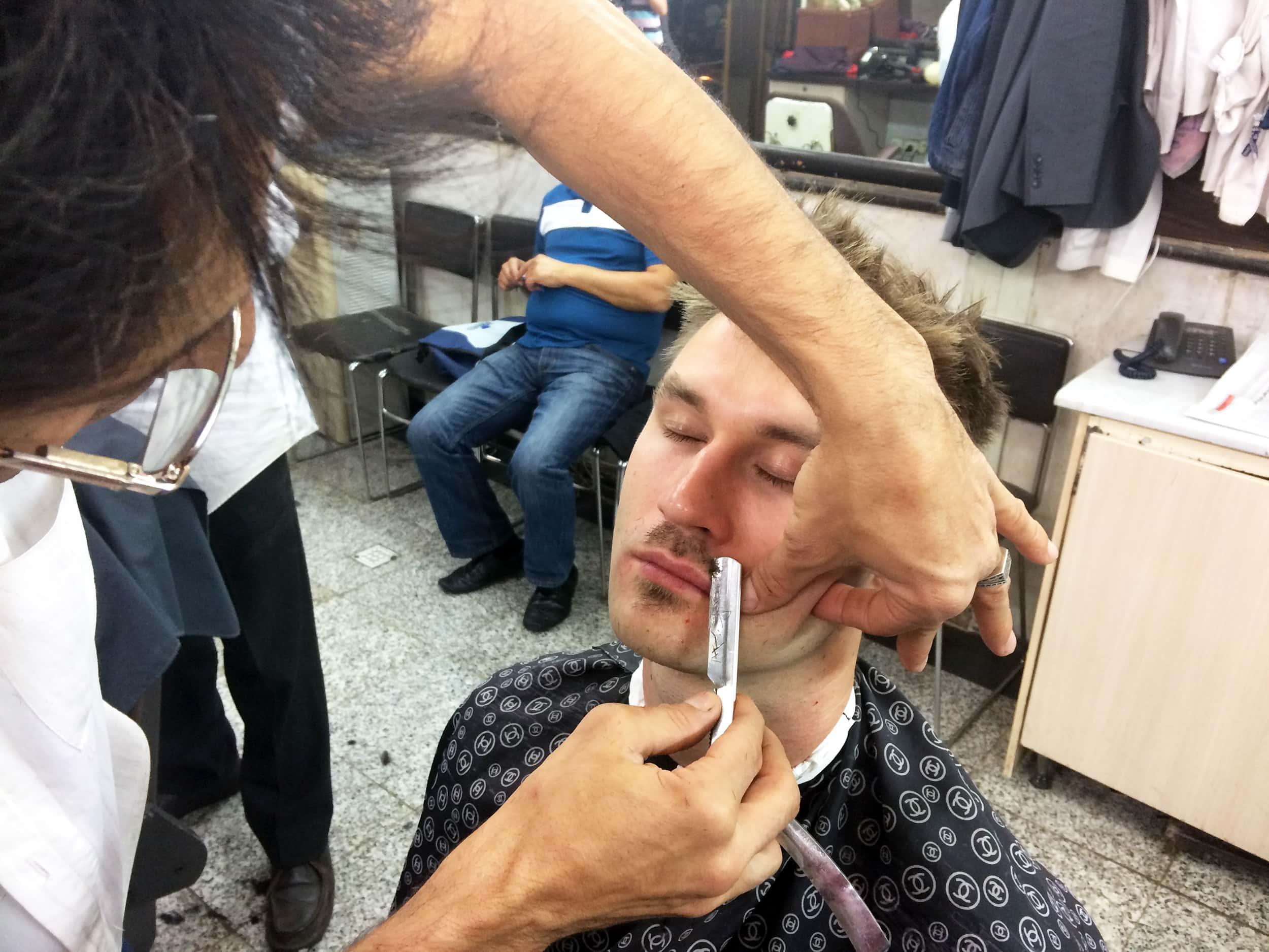 Тегеран. Мене голять небезпечним лезом. Фото 1