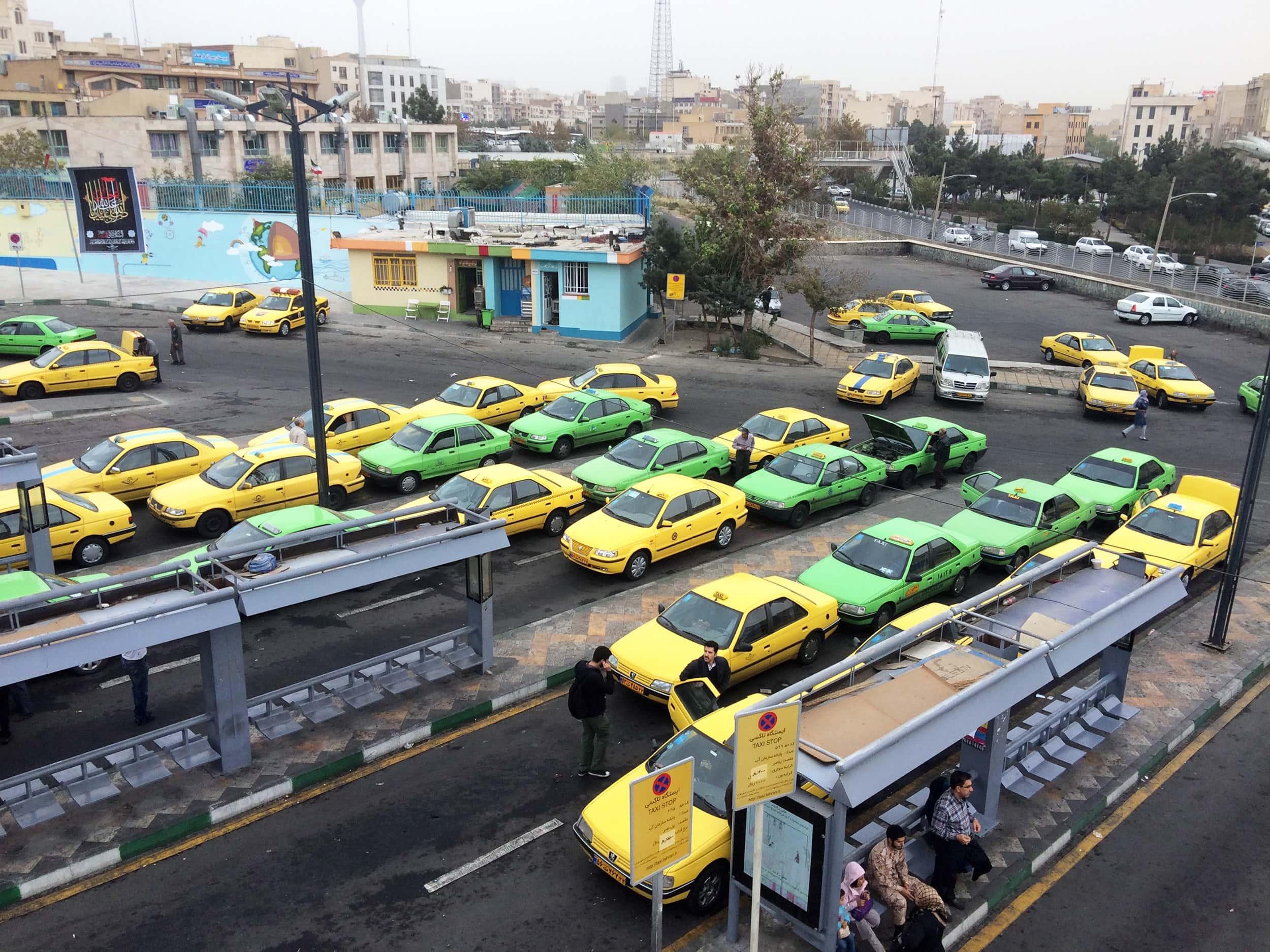 Тегеран. Таксі.