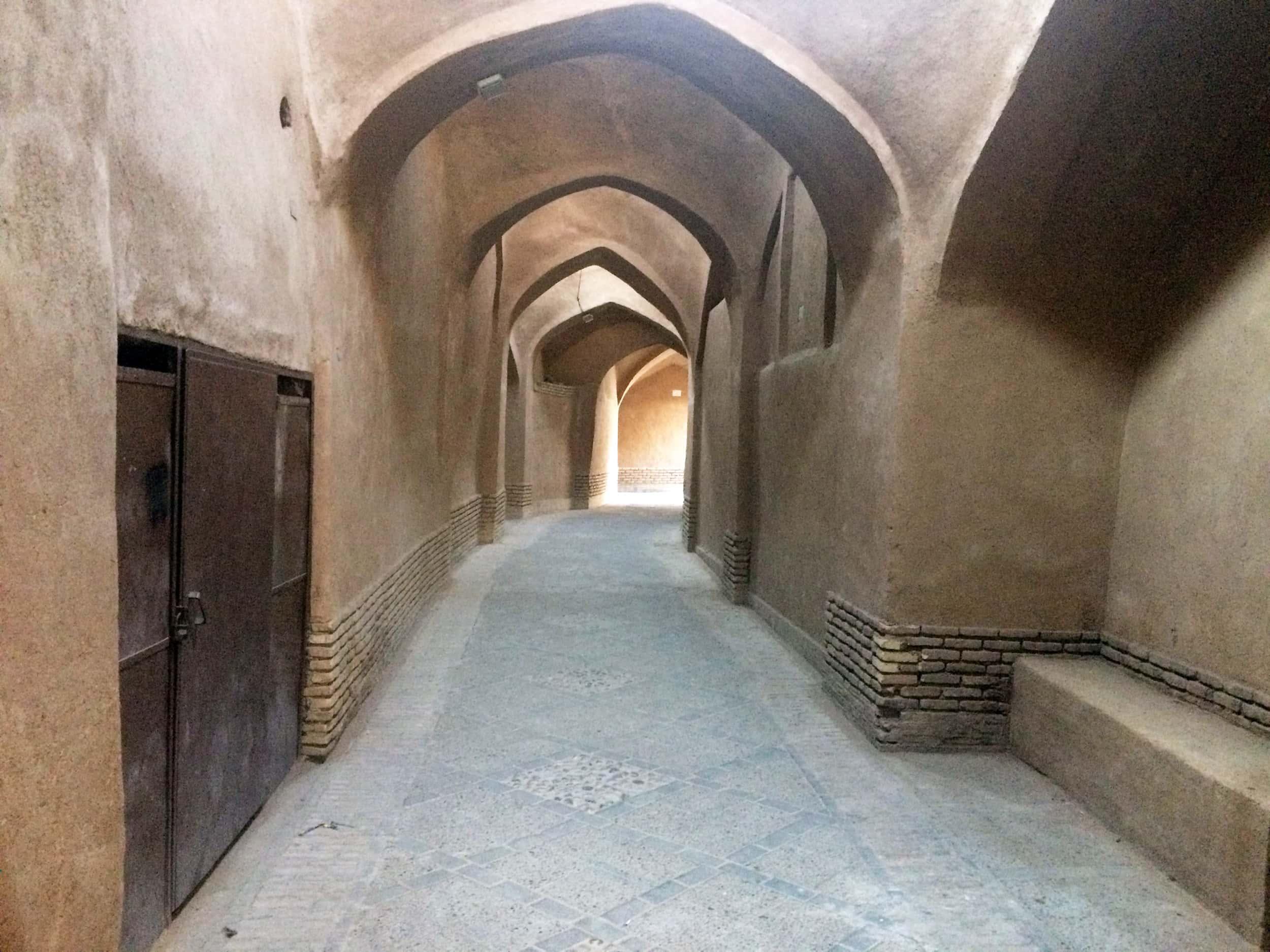 Язд. Тунелі з витворами мистецтва. Фото 2