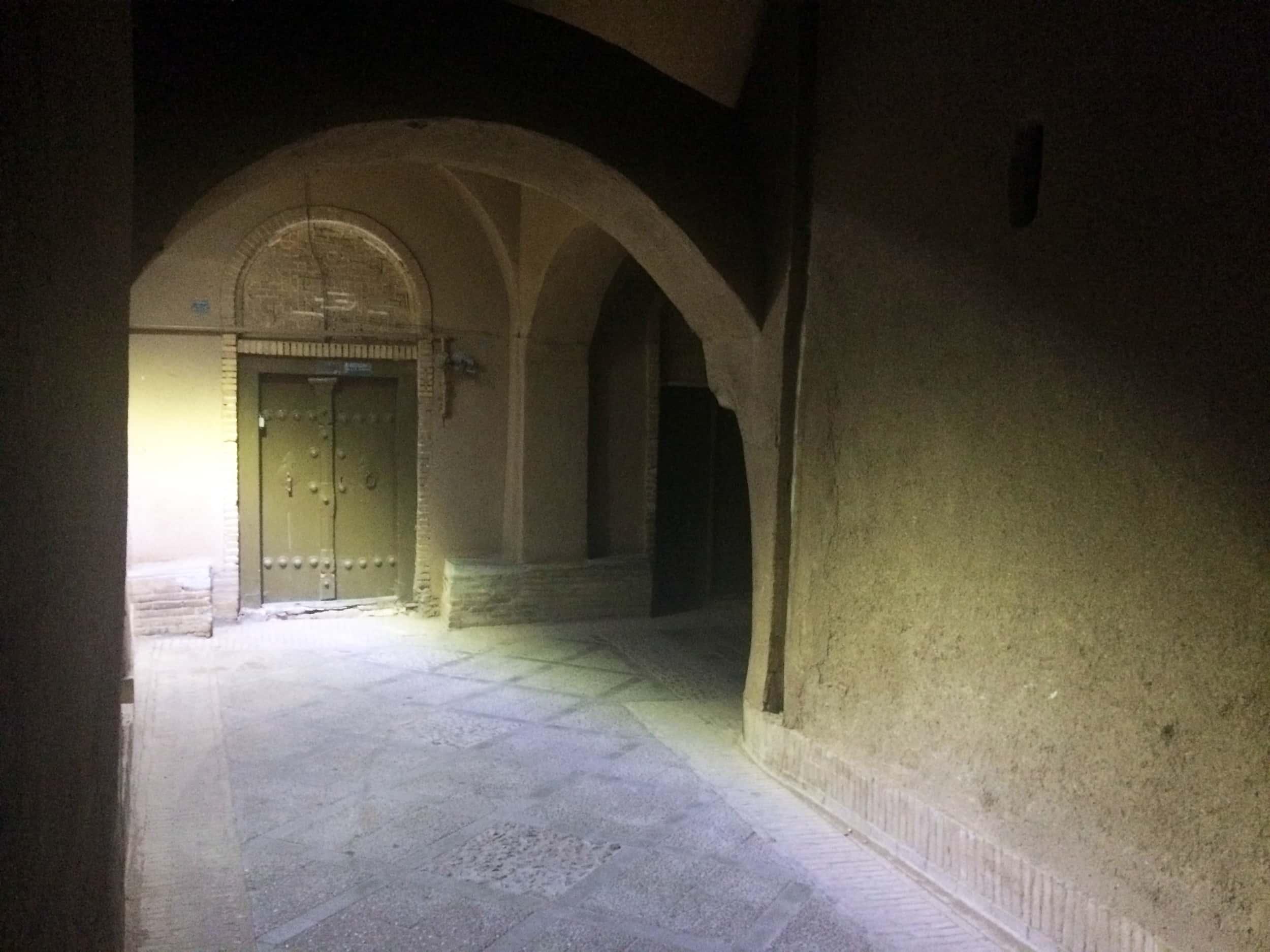 Язд. Тунелі з витворами мистецтва