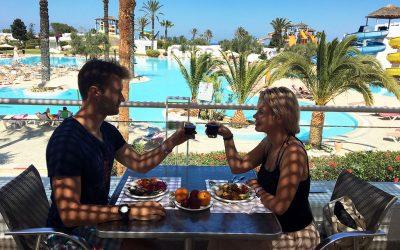 Пакетний тур в Туніс, що перетворився на справжню пригоду