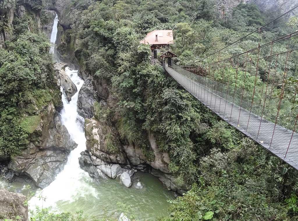 Амазонія, водоспад